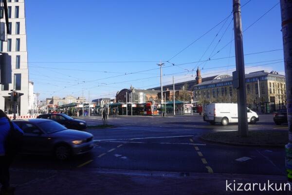 ブレーメン半日観光で行ったブレーメン中央駅前のバスとトラム乗り場
