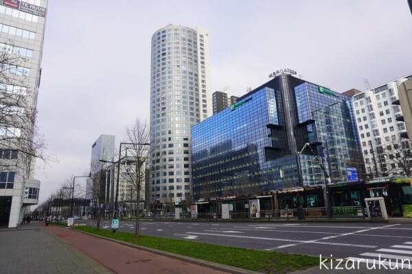 ロッテルダム半日観光で行ったロッテルダム中央駅前のビル群